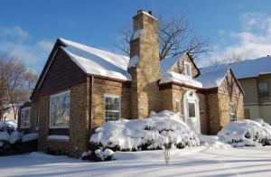 illinois home winter, home with snow outside