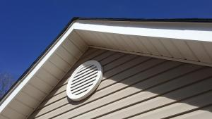 ventilation under roof on house
